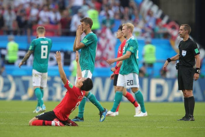 Aunque Suecia nos goleó, ellos vencieron 2-0 a Alemania, lo que nos ayudó a clasificar en segundo lugar de nuestro grupo.