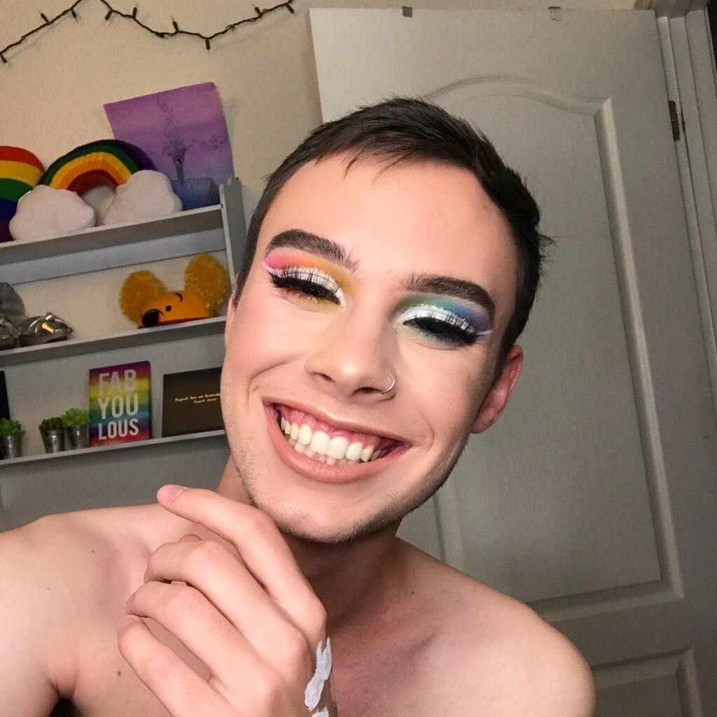 A Youtuber Was Filming His Makeup Tutorial When His Dad Complimented