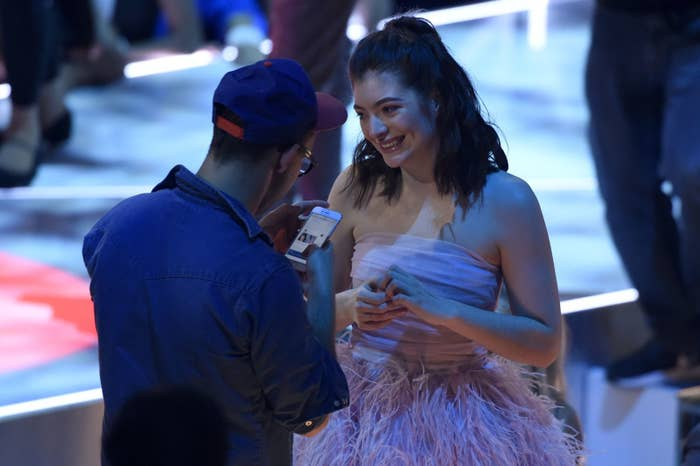 Jack Antonoff and Lorde appear at the 2017 MTV Video Music Awards.