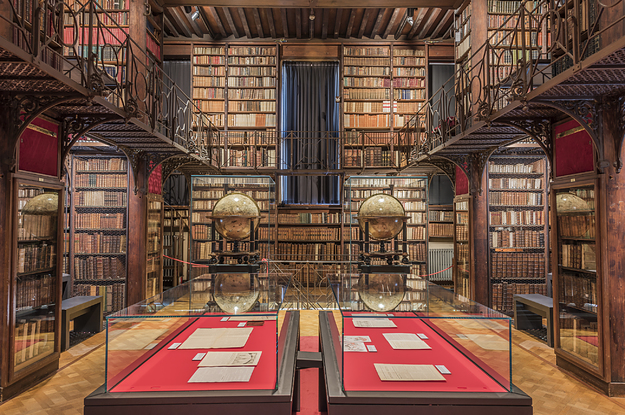 19 Beautiful Photos Of Libraries That Prove They're The Last Good Place In This World
