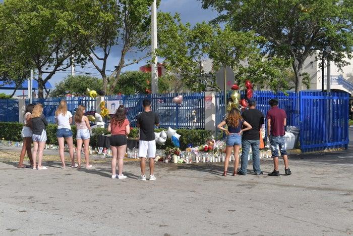 A roadside memorial for XXXTentacion.