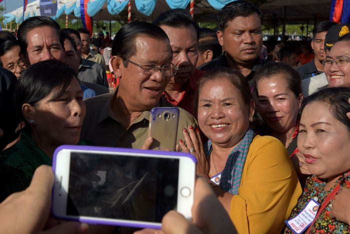Cambodian Prime Minister Hun Sen (center-left).