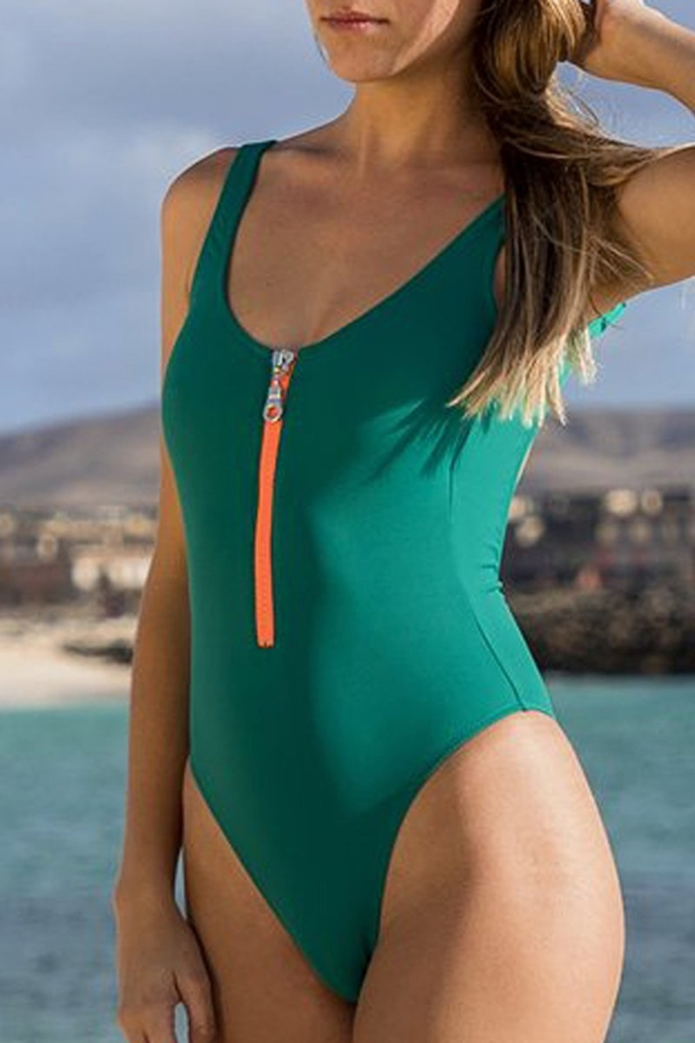 Bathing suits that reveal pussy