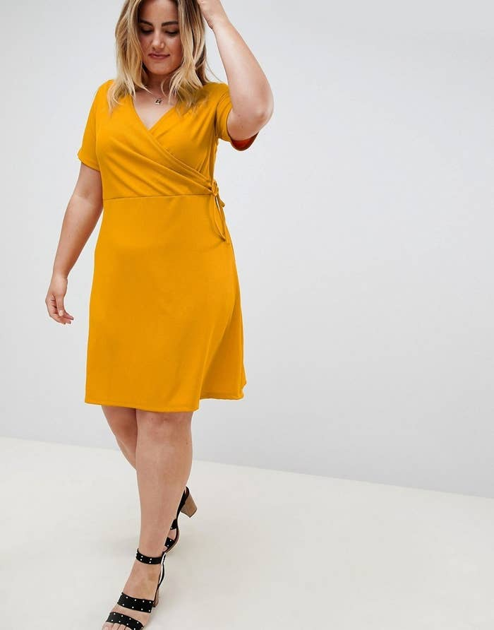 b409c3f5126 37 Cute And Comfy Dresses To Help You Get Through The Week