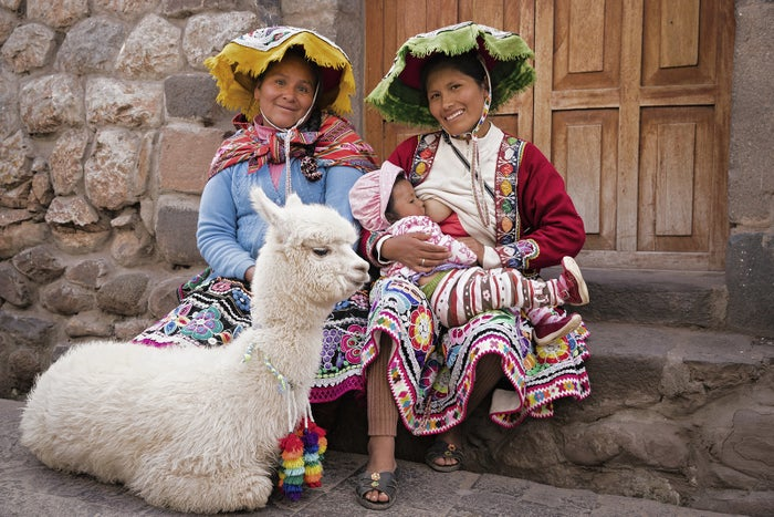 Maryluz — seen here with her aunt, baby and llama — was happy to hear about the campaign and to participate. Breastfeeding is very common in Peru. Women breastfeed their babies in the street, walking up the mountain, at the market or whenever necessary – it is part of daily life.