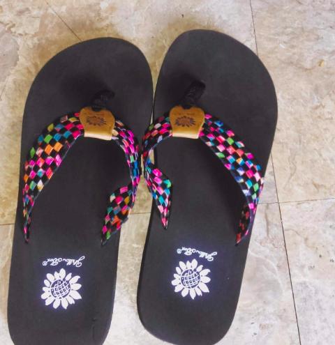 762425b0b5e0 2. Flip-flops featuring a colorful strap meant to rub you the ~right~ way. Bye  blisters!