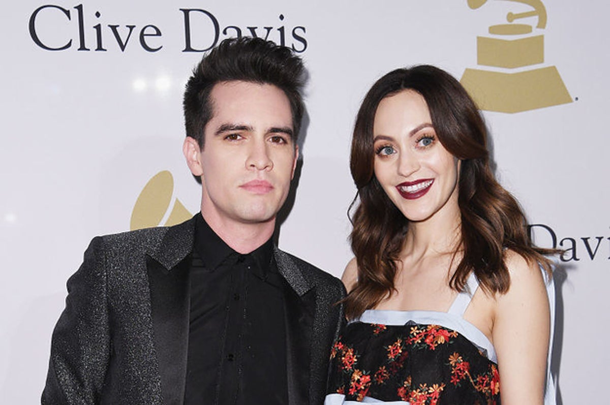 Panic At The Disco S Lead Vocalist Brendon Urie Has Come Out As Pansexual