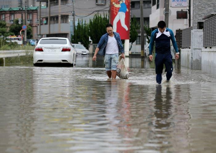 NHKのまとめによると、7月7日夜までに35人が死亡、47人が安否不明だという。