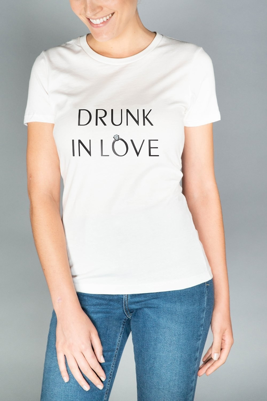 I Want A Relationship I Want Romance Vintage T-Shirt