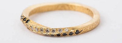 34 Seriously Gorgeous Wedding Rings You Can Get On Etsy