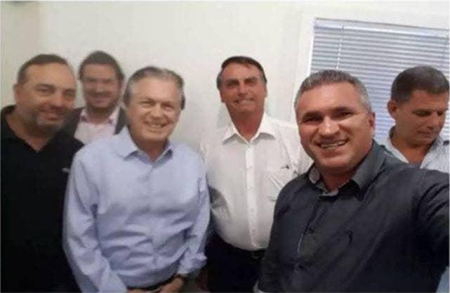 Ao centro, Bolsonaro; à direita, Gulliem e Bebianno