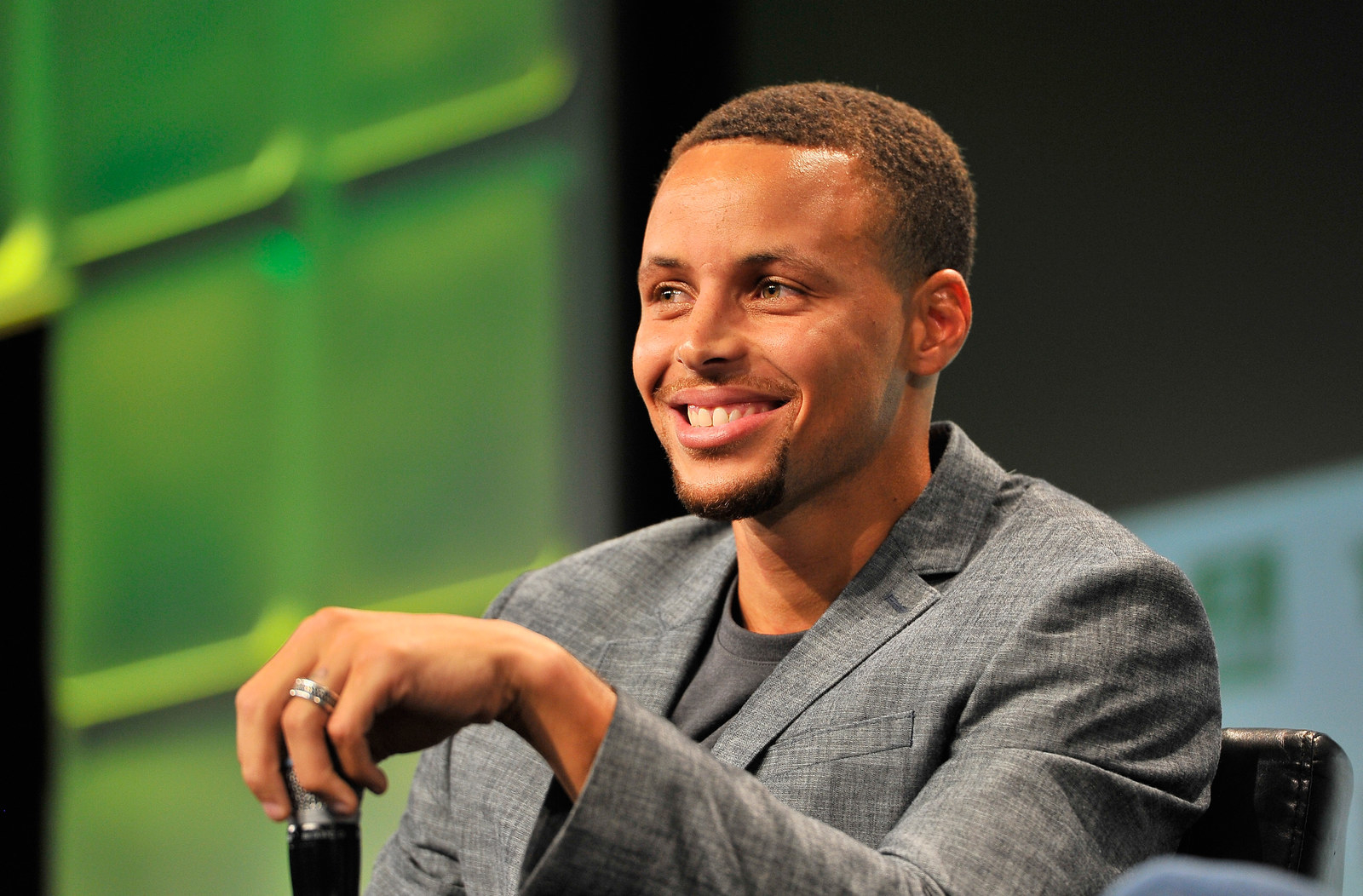 Steph Curry Wrote A Powerful Essay About Womens Equality The  Nba Star Steph Curry Advocated For Gender Equality And For A Push To  Eliminate The Pay