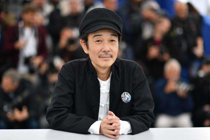 イラストレーター、文筆家、絵本作家、フォトグラファー、俳優、作詞・件曲家など、ジャンルを問わず活躍する、リリー・フランキーさん。文筆家として、初となる長編小説『東京タワー オカンとボクと、時々、オトン』で2006年に本屋大賞を受賞。俳優として『そして父になる』で日本アカデミー賞最優秀助演男優賞を受賞。ひきこもり経験者でもあります。