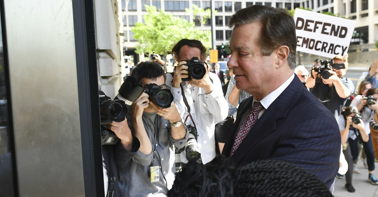 Former Trump Campaign Chair Paul Manafort Is Expected To Plead Guilty And Avoid A Second Trial