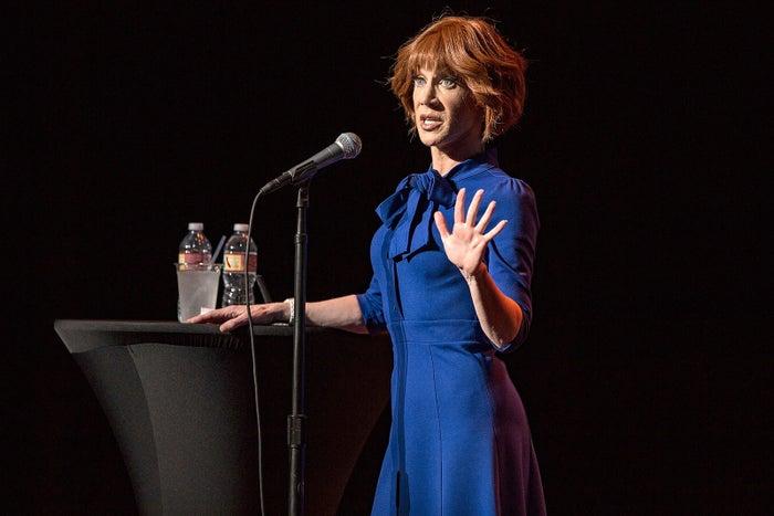 Kathy Griffin actuando en el San Diego Civic Theatre el 28 de julio.