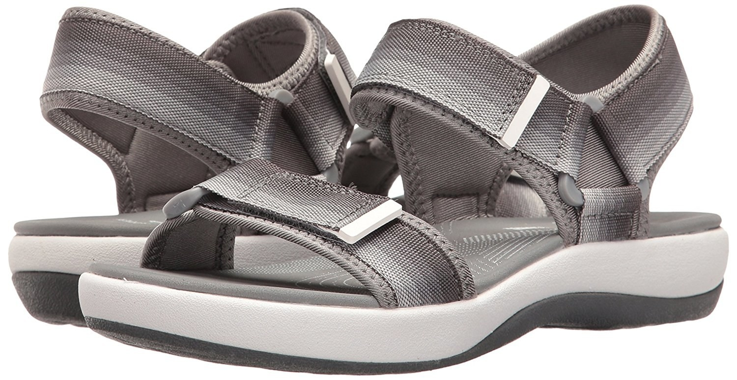 Clark Buzz Kid/'s Shoes Clarks Camping Hiking Outdoors