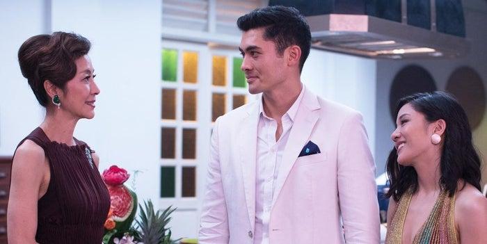 """""""Es una comedia romántica muy agradable y, como alguien que vive en Singapur, ¡me puedo relacionar mucho con la película! Excepto por las partes en las que realmente se parecen más a los asiáticos ricos que a los singapurenses"""".—chyecat"""