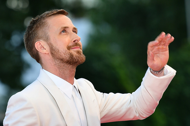 Here's Ryan Gosling Waving At His Fans (Just Pretend He's Waving To YOU Instead)