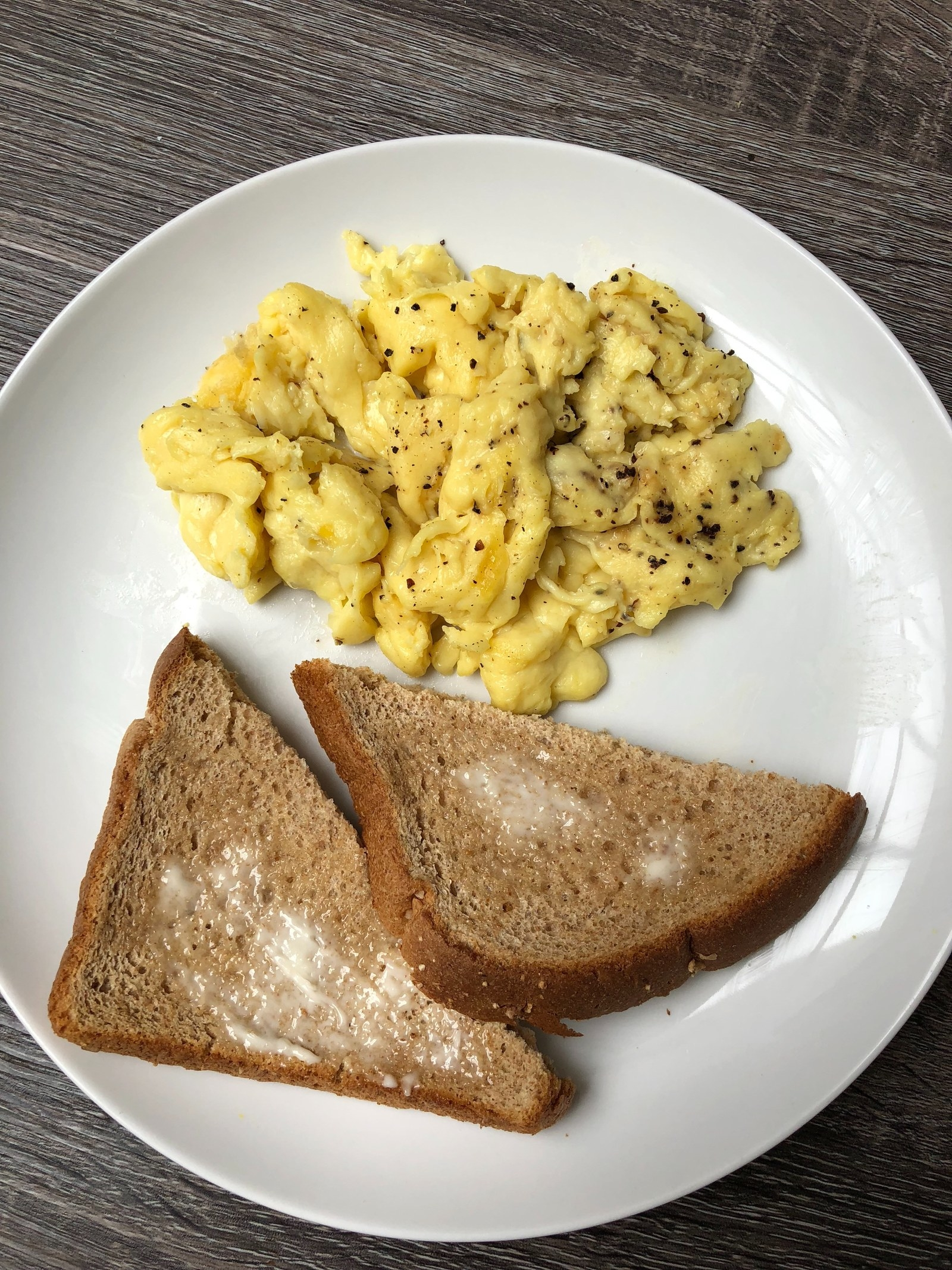 At this point, I'll admit, I was a little weirded out. I hadn't tasted the Just eggs yet, but I couldn't believe a legume could be cooked into this scrambled egg-like texture. If you handed me a plate of these without telling me they're vegan, I would never be able to guess.