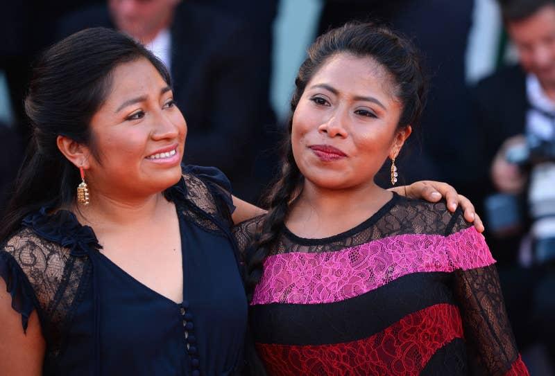 Las dos son originarias de Tlaxiaco, Oaxaca. Pasaron por varias pruebas antes de llegar a conocer al director.