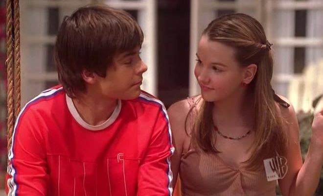 Before he was everyone's favorite singing basketball player at East High, Zac had a recurring guest role on the WB teen drama Summerland as Nikki's friend (and eventually boyfriend) Cameron. This was back when lil' Zac still had his adorable tooth gap.