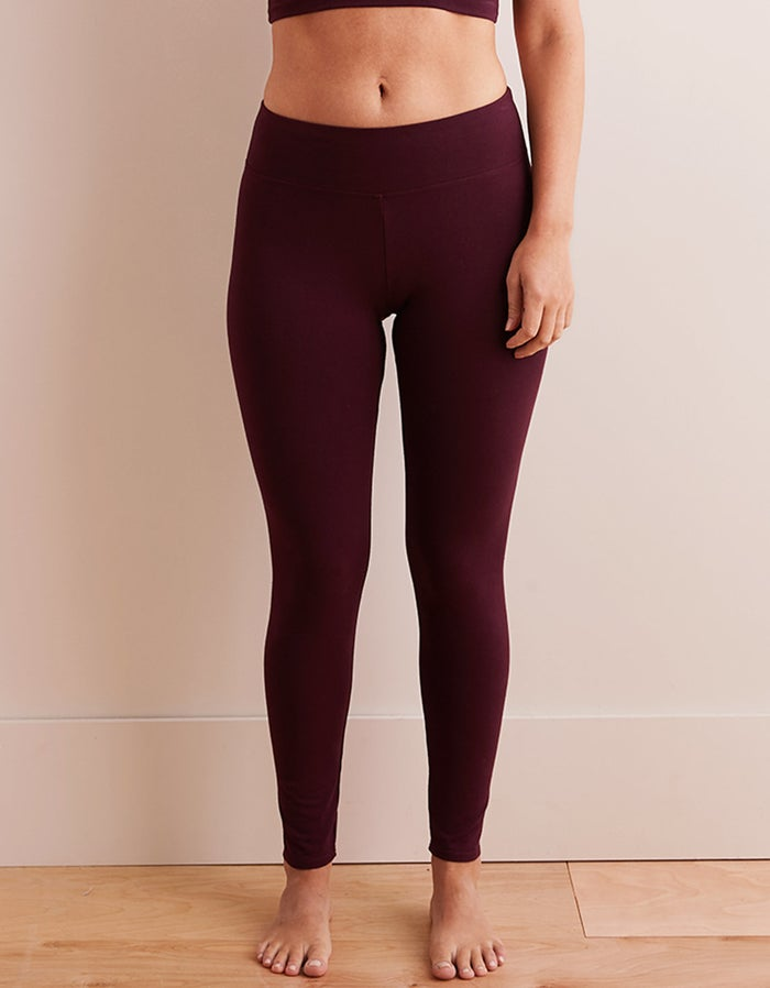 Get these leggings here.