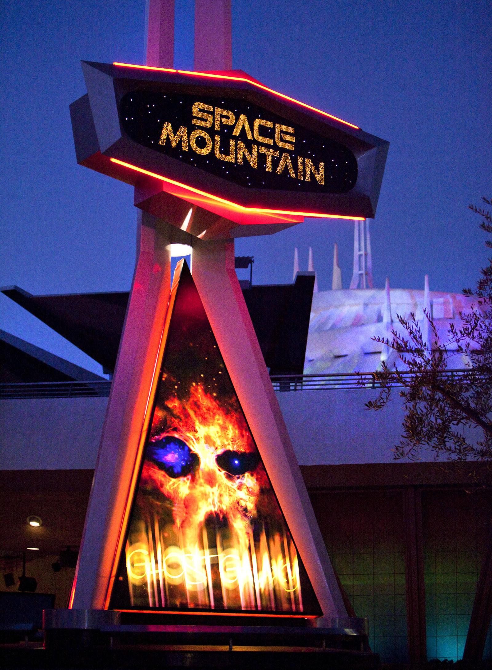 space mountain ghost galaxy - HD1600×2178