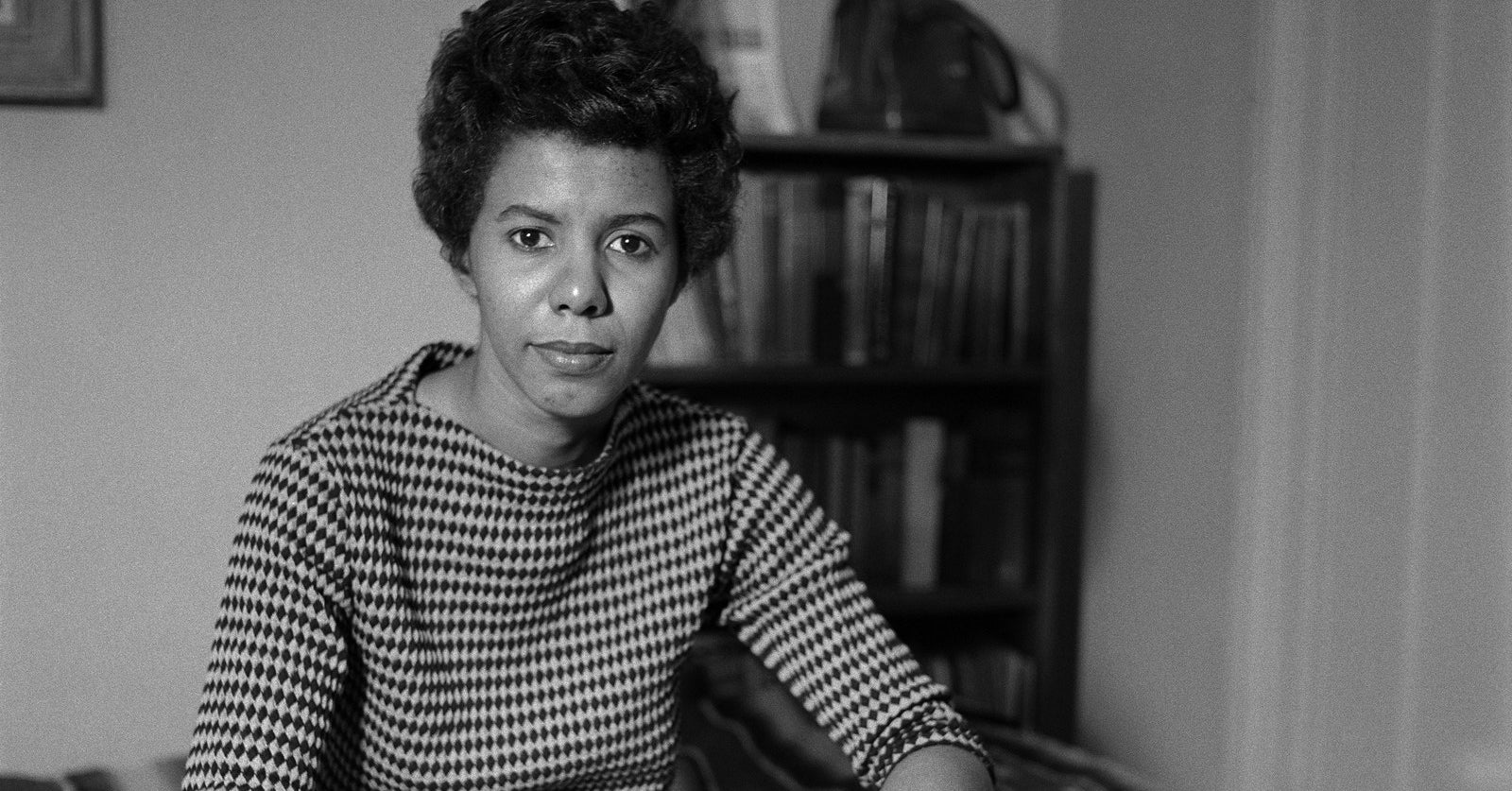 a short biography of lorraine hansberry Discover the life of lorraine hansberry, who reported on civil rights for paul robeson's newspaper freedom and later penned a raisin in the sun learn about her personal life, accomplishments, and untimely death at age 34.