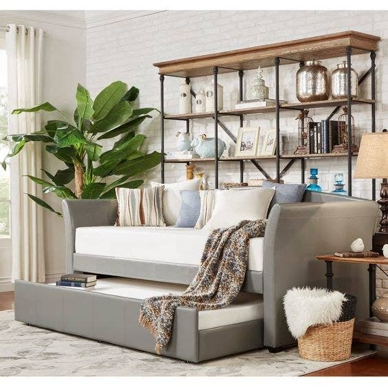 Get this daybed here.