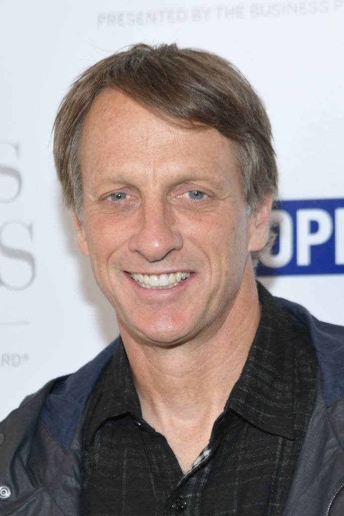 tony hawk keeps tweeting when people don t recognize him and it s