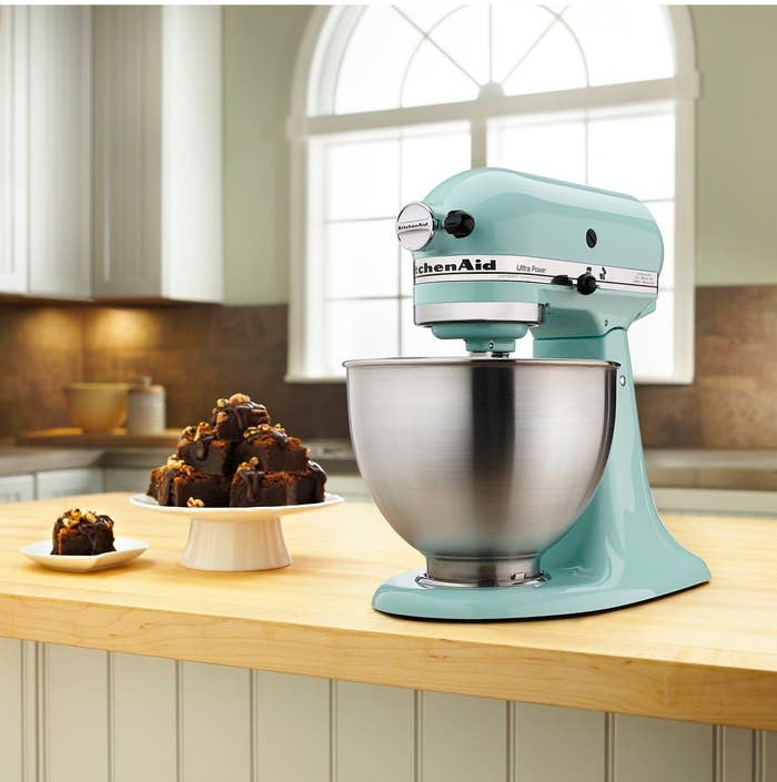 She is beauty, she is grace, she has a tilted head and a 4.5-quart capacity that'll make dozens of cookie in a single batch or 6 lbs. of mashed potatoes. NOM. Oh and she's available in FOUR COLORS.Features: adjustable speed control, removable bowl, variable speed, tilt-back head