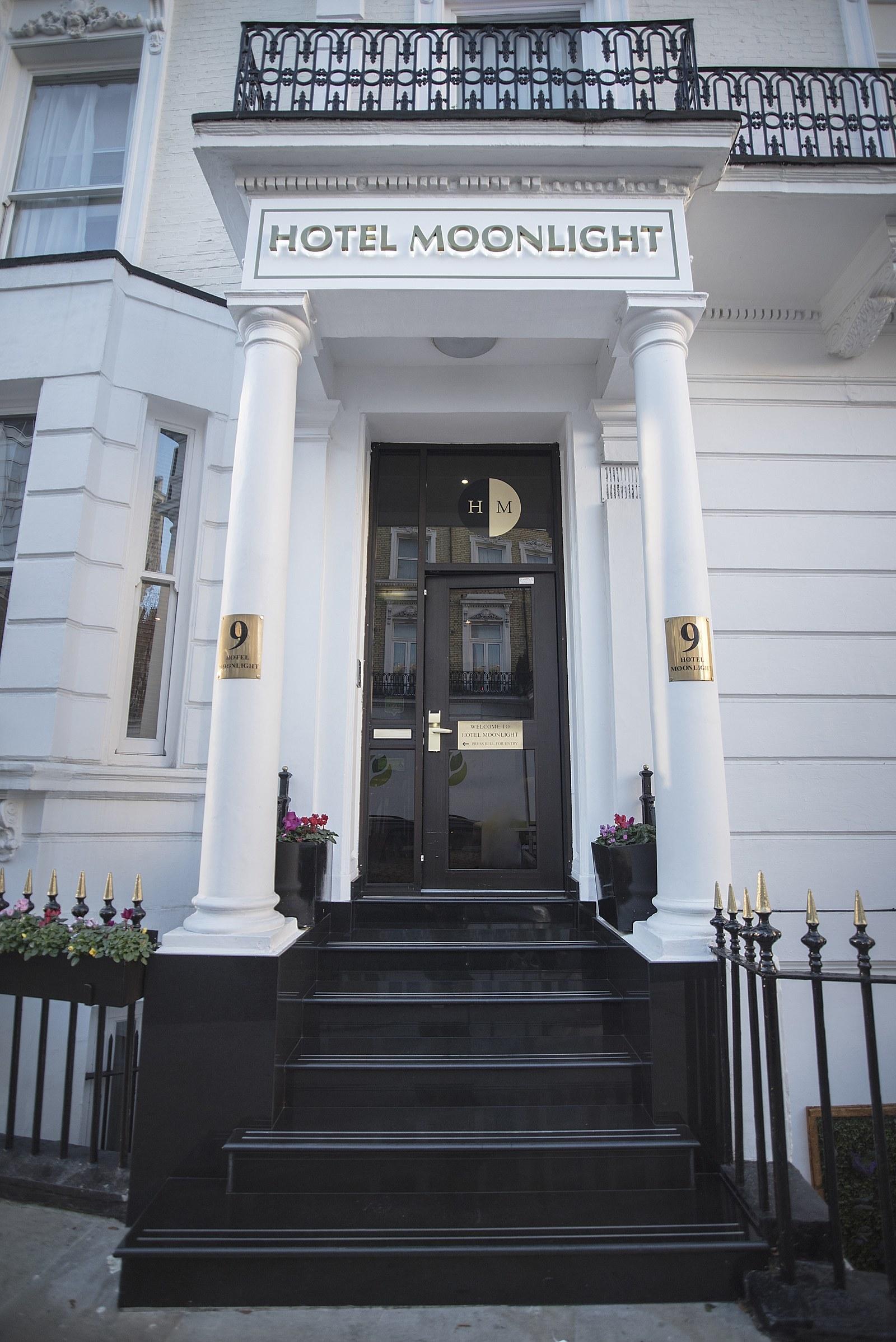 Sub Renting Hotel Rooms
