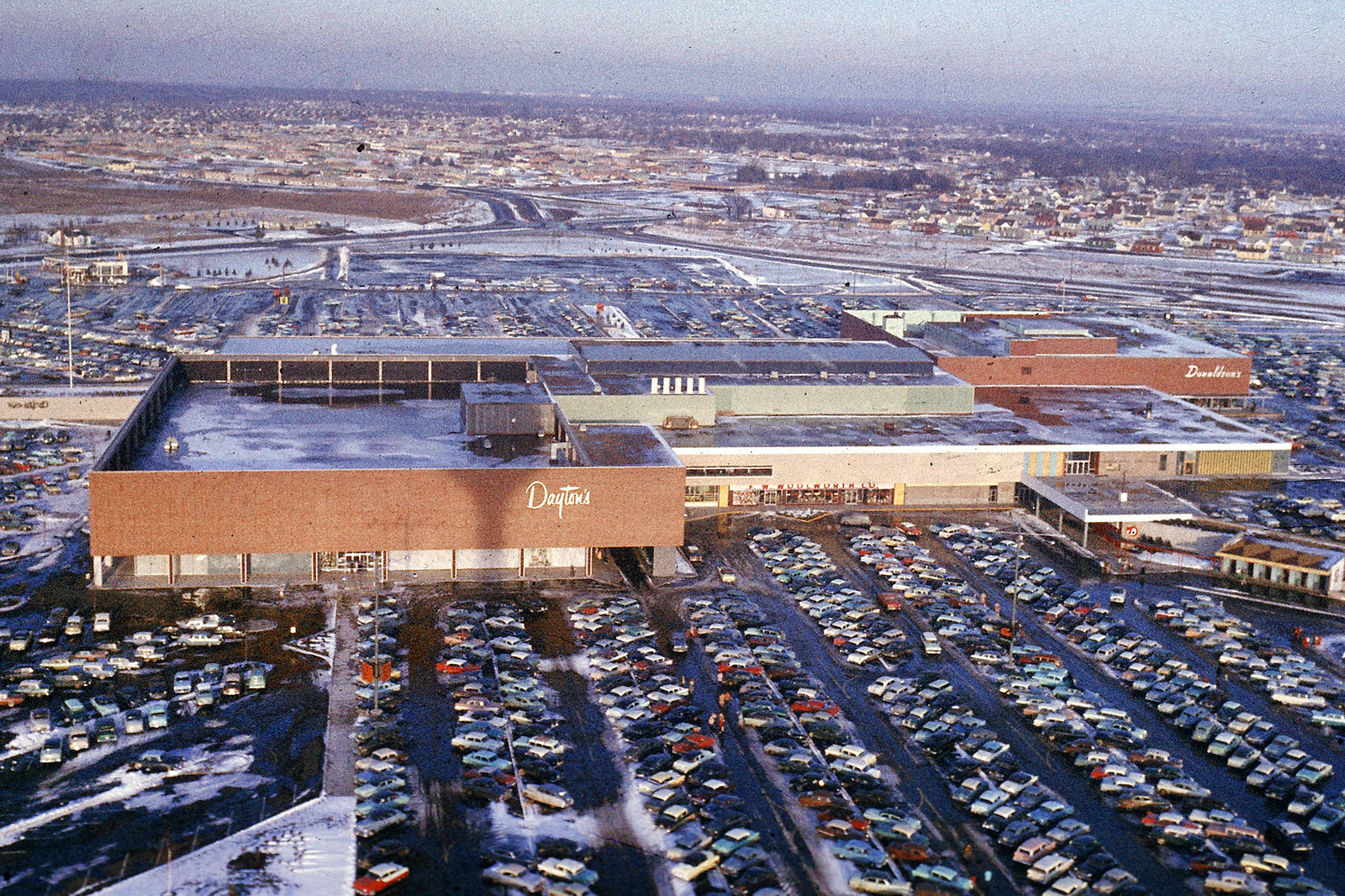 This Is What America's First Shopping Mall Looked Like When It Opened