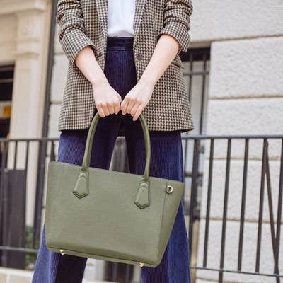 247805879063 1. Dagne Dover designs the kind of structured purses that make you seem  extremely professional and put together — even if