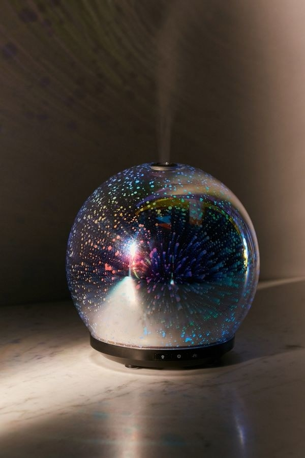 round humidifier with light show