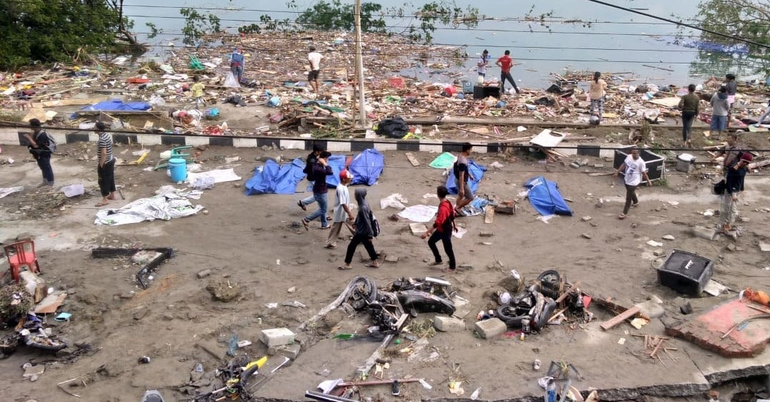 A Powerful Tsunami Swept Away Homes In Indonesia, Killing Hundreds Of People