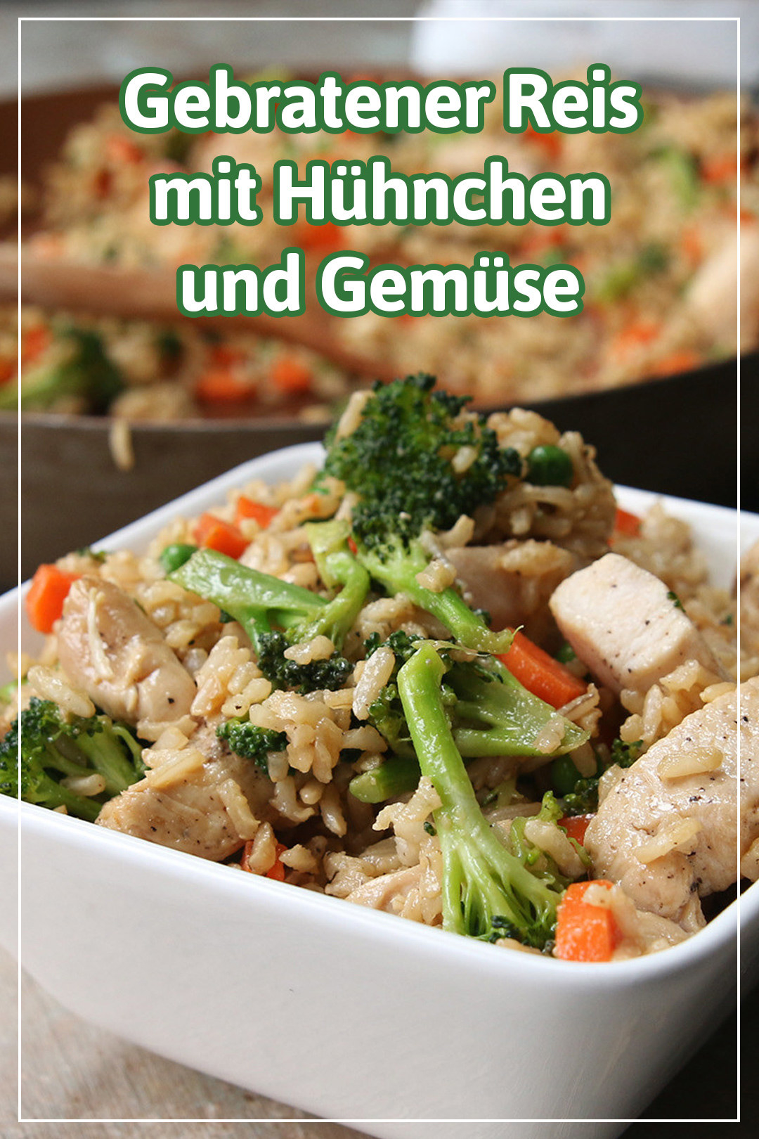 Dieser leichte und gesunde Bratreis mit Hühnchen und Gemüse ist das perfekte Abendessen