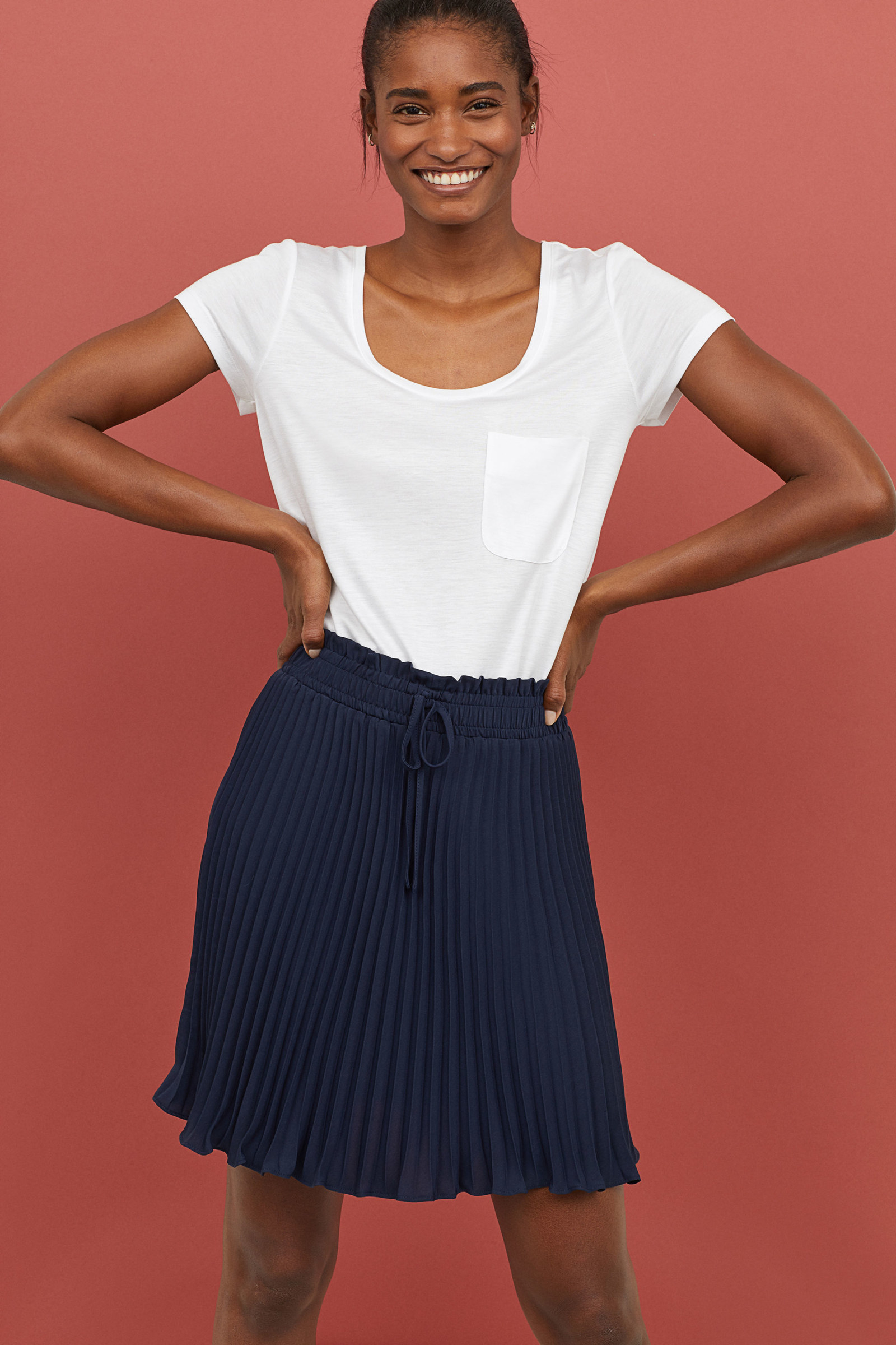 Get it from H&M for $14.99 (originally $29.99, available in sizes 0-18 and in three colors).
