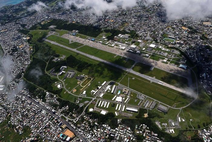 沖縄宜野湾市の米軍普天間飛行場
