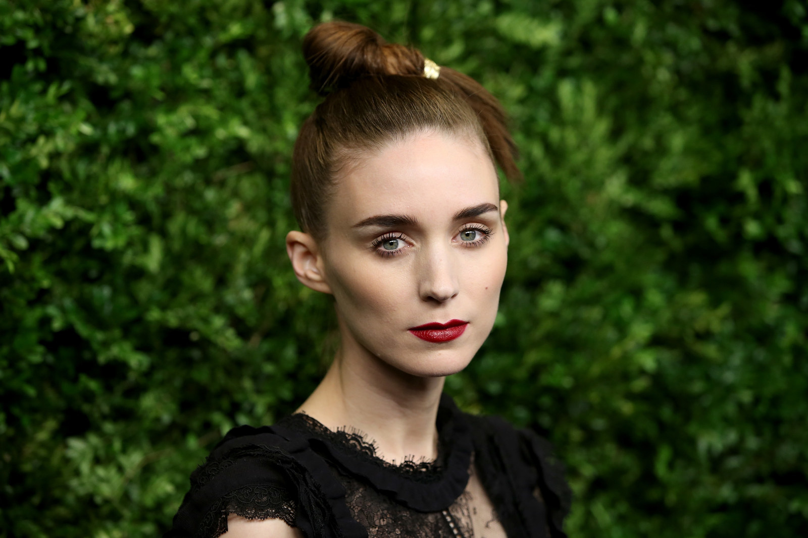 Patricia Rooney Mara -  Rooney's older sister Kate's middle name is also Rooney!