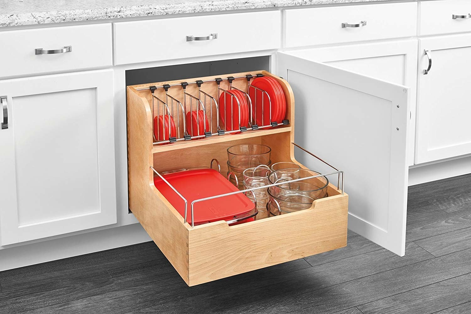 The organizer installed in a cabinet