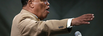 Twitter Won't Suspend Louis Farrakhan For Tweet Comparing Jews To Insects