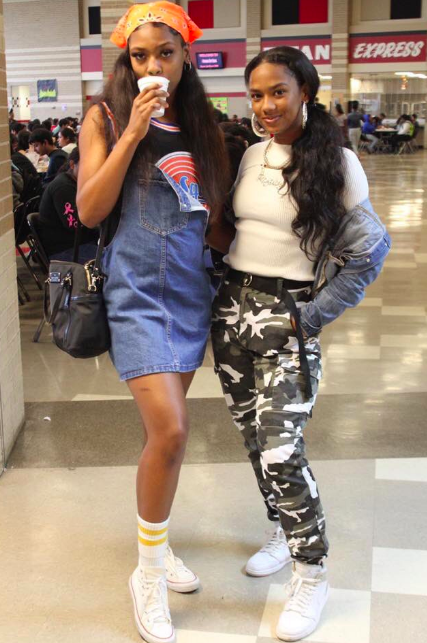 This School\u0027s Fashion \u0027Throwback\u0027 To The 2000s Is Making