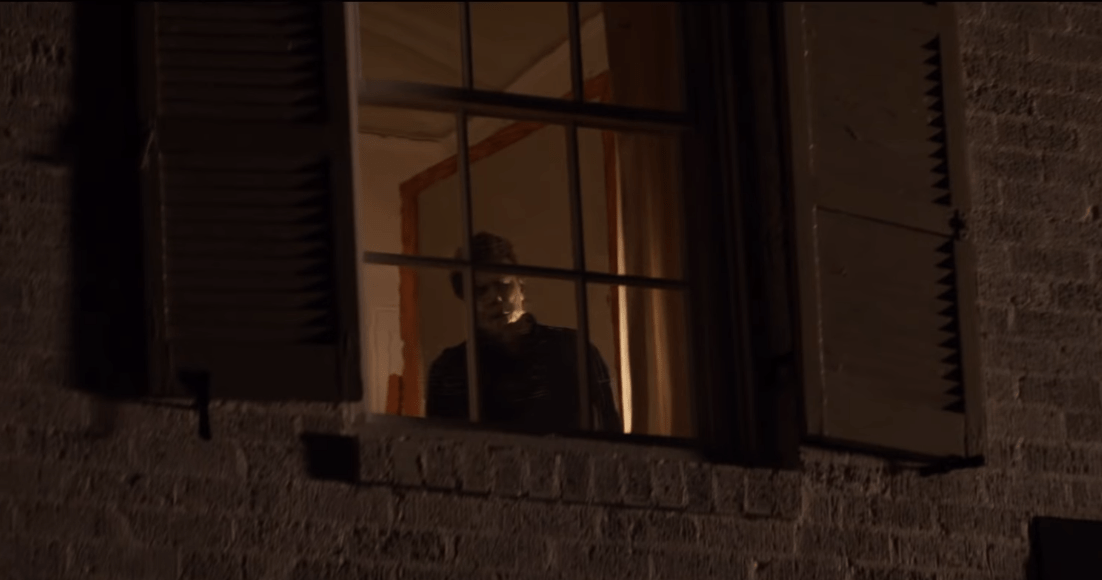 Although the role of Michael Myers is played by the actor James Jude Courtney in most parts of the new film, Nick Castle, who played the role of Myers in the 1978 film, does wear the mask once again at one point. You can see him in this scene as shown above, where he is looking out of a window.