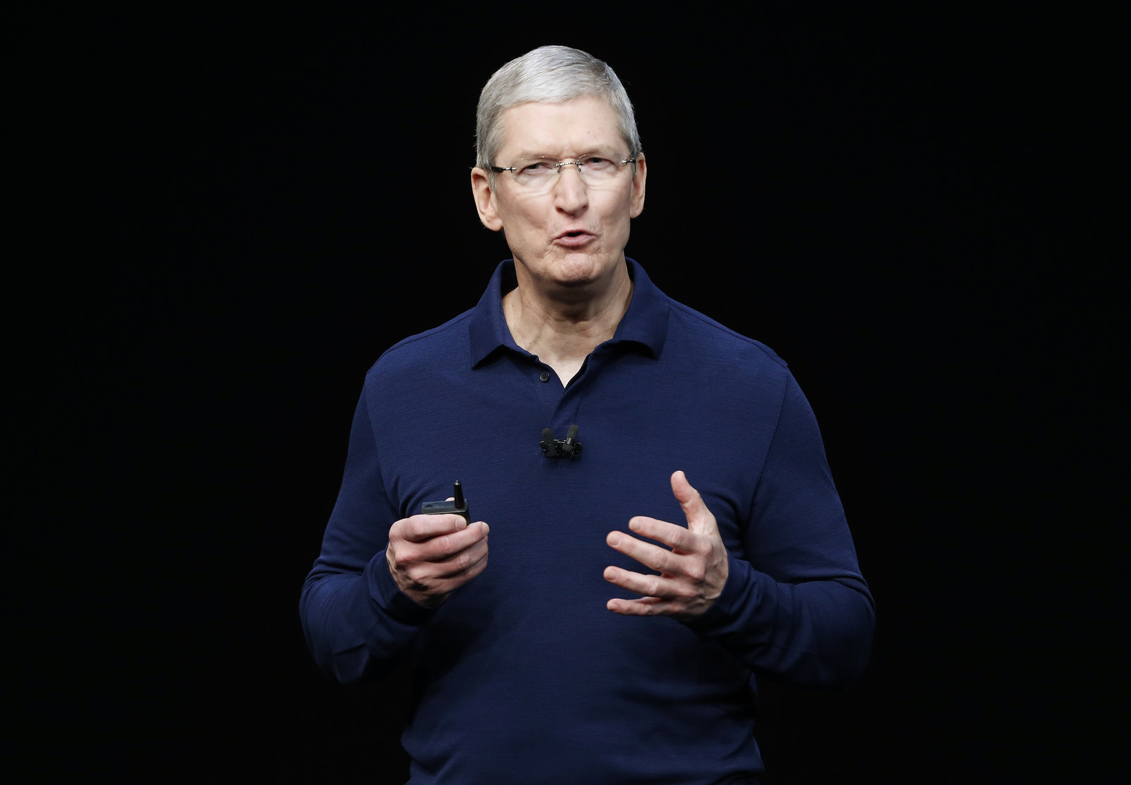Apple CEO Tim Cook Is Calling For Bloomberg To Retract Its Chinese Spy Chip Story