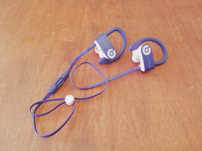 3ヶ月くらい前に使い始めたbeatsのイヤフォン「Powerbeats3 Wireless」がめちゃくちゃよくて、ようやく出会えた感あるので紹介させてください。