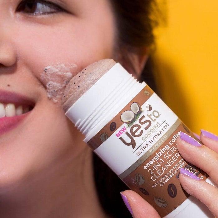 """Vielversprechende Review: """"LIEBE! LIEBE! LIEBE! Entfernt Make-up, macht die Haut sanft und duftet zauberhaft. Ich liebe diesen Rollee!"""" —Kelly RogersDu bekommst ihn bei Feel Unique für 7,98 Euro."""