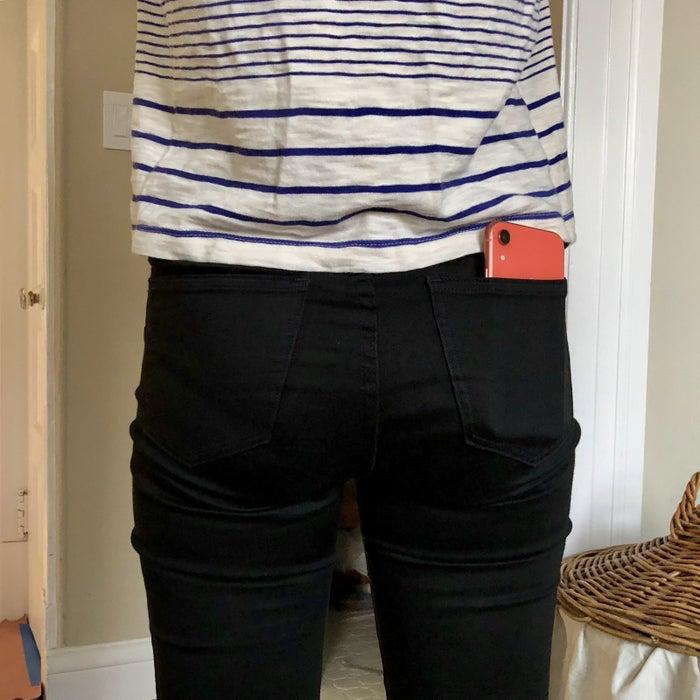 iPhone XR vs. women's jeans back pocket