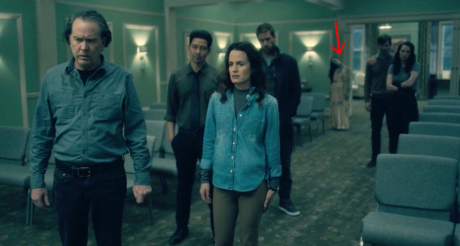 Haunting Of Hill House Has A Bunch Of Hidden Ghosts Here S Where They Are