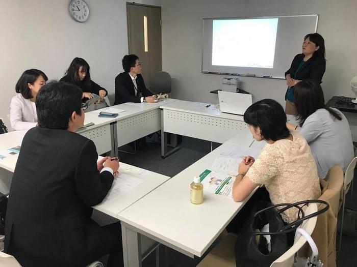 10月23日、都内で開かれた企業向けの子育て支援医療講座